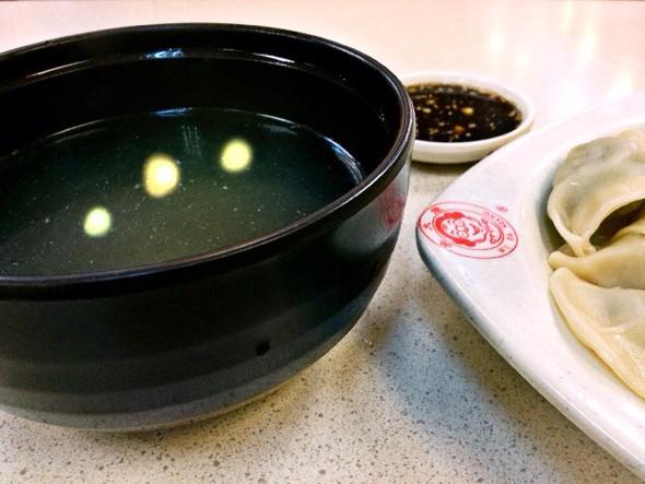 饺子在锅里的简笔画