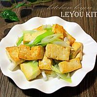 农家葱爆豆腐