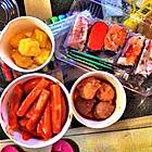 辣年糕,丸子,寿司