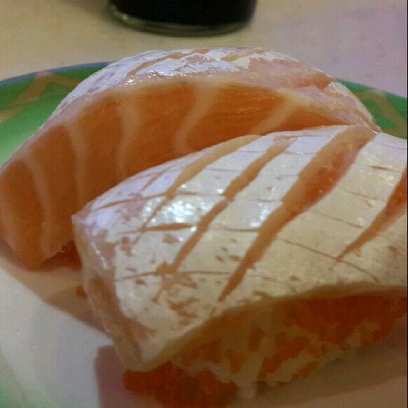 三文鱼腩寿司