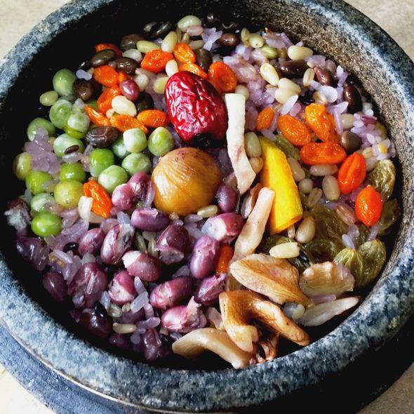 营养石锅拌饭