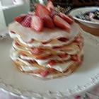 草莓奶油千层可麗餅