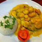 牛肉和虾配米饭